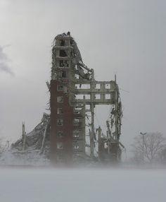DEMOLITION: ROBERT TAYLOR HOMES | BRONZEVILLE | CHICAGO | ILLINOIS | USA: *Built: 1961-1962; Demolished: 1998-2007; 28 Towers, each with 16-Storeys* Photo: David Schalliol