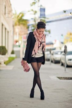 Shorts with tights look right at home with a long blazer that skims the bottom of the shorts. Shorts With Tights, Blazer And Shorts, Black Shorts, Dressy Shorts, Long Blazer, Black Tights, Leggings, Look Fashion, Fashion Outfits