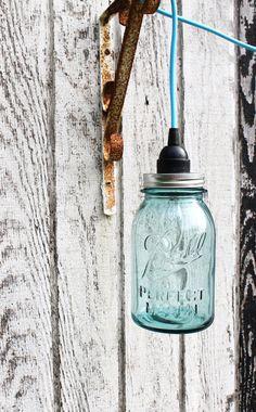 10 Cool Modern Mason Jar Lights - Be Creative! Pendant Light Fixtures, Pendant Lamp, Pendant Lighting, Light Pendant, Blue Mason Jars, Mason Jar Lamp, Jar Lights, Hanging Lights, Deco Luminaire