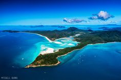 Clear water and white sands of Whitsunday Island, Australia. Photo by Mitchell Burns