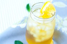 Easy Green Iced Tea Recipe with Fresh Mint and Orange #recipes #food #drink #cuisine #boissons #recettes