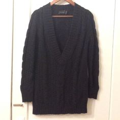 """BOGO🛍🛍 Chunky Knit Sexy Deep V TunicSweater Black. Pre-loved no pulls or stains. Deep v need to wear tank top or shirt underneath. Tunic style sweater 29.5"""" long. Size small but stretches nicely and can absolutely work for a medium and a (smaller-large).7 The Limited Sweaters"""