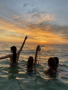 Beach Aesthetic, Summer Aesthetic, Travel Aesthetic, Aesthetic Style, Aesthetic Food, Aesthetic Photo, Aesthetic Fashion, Summer Feeling, Summer Vibes