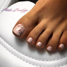 trendy Ideas for cute pedicure colors toenails Pretty Toe Nails, Cute Toe Nails, Glam Nails, Beauty Nails, My Nails, Pedicure Colors, Pedicure Designs, Pedicure Nail Art, Toe Nail Designs