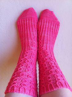 Ravelry: Effervesce pattern by Purrlescent Cable Knitting Patterns, Knitting Videos, Knitting Stitches, Knitting Socks, Hand Knitting, Knit Socks, Crochet Patterns, Crochet Ideas, Refreshing Summer Drinks