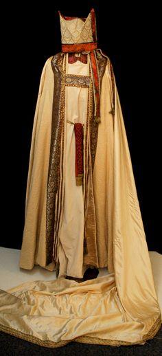 "Costume from the movie ""Kristin Lavransdatter"" (1995) Director: Liv Ullmann  Costume Design: Kari Elfstedt"