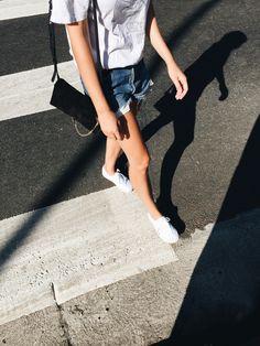 Vintage Led Zeppelin tee, vintage Levis 501 shorts, Chloe faye bag & Vans. Via Mija