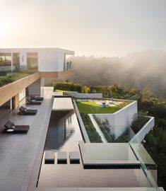 Mike Kelley is a Los Angeles based photographer specializing in architecture. House Deck, Facade House, New Zealand Architecture, Architecture Life, Architecture Images, Residential Architecture, Architectural Photographers, Contemporary Architecture, The Locals