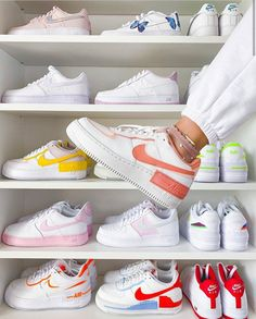 All Nike Shoes, Nike Shoes Air Force, White Nike Shoes, Hype Shoes, Running Shoes, Kd Shoes, Shoes Style, Nike Running, Shoes Heels