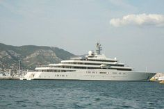 L'Eclipe 2nd biggest yacht in the world just off Cap d'Antibes yesterday http://www.nicematin.com/derniere-minute/photos-le-top-10-des-plus-grands-yachts-au-large-de-la-cote-dazur.2311431.html… #France #Riviera