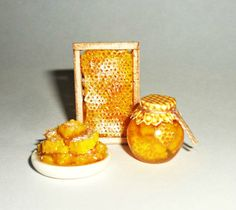 Dollhouse miniature 1:12 Honeycomb! House bees.