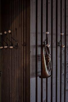 Hospitality design: luxury hotels,  5 star hotels,Wohnen mit Klassikern teilt erstaunliche klassische moderne Wohnideen, Mid Century Inspirationen, Minimalismus Design, zeitgenössiges Design und eklektische Inspirationen. So wie High-end Möbel Inspirationen wie Samt Sesseln, Holz Esstische, Samt Sofas, Messing Beistelltisch und Holz Couchtische.