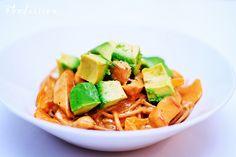 Kokeiluun - Keväinen kanapasta by Foodassion, via Flickr