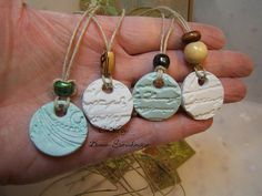 2015-02-04  difuser necklace for essential oils