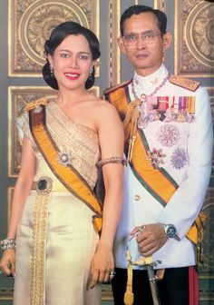 ♔♔♔ His Majesty King Bhumibol and Her Majesty Queen Sirikit Of Thailand ♔♔♔