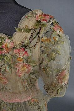 jadymel:  Delicate Edwardian rose embroidered bridal/evening gown, circa 1912