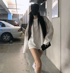 Korean Street Fashion - Life Is Fun Silo Edgy Outfits, Korean Outfits, Girl Outfits, Cute Outfits, Fashion Outfits, Usa Girls, Rolled Up Jeans, Crochet Barbie Clothes, Ulzzang Fashion