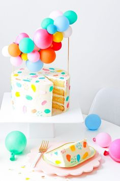 DIY Balloon Garland Cake Topper and Tips for Painting Frosting - Let's party! - DIY Balloon Garland Cake Topper & Tips for Painting Frosting Balloon Cake, Balloon Garland, Balloons, Balloon Cupcakes, Balloon Party, Balloon Ideas, Festa Party, Diy Party, Party Ideas
