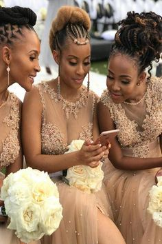 Champagne Appliques Long Bridesmaid Dress with Slit Champagne Appliques Langes Brautjungfernkleid mi Natural Hair Wedding, Natural Hair Updo, Natural Hair Styles, Afro Wedding Hair, Natural Hair Brides, Natural Wedding Hairstyles, Natural Afro Hairstyles, Tulle Bridesmaid Dress, Bridesmaid Hair