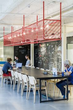 Google recently opened its new, 27,000 square-foot coworking campus located in a former battery factory in Madrid, that provides a space for entrepreneurs to learn, share ideas and launch start-ups. The campus was designed by London-based architecture and interior design firm: Jump Studios.