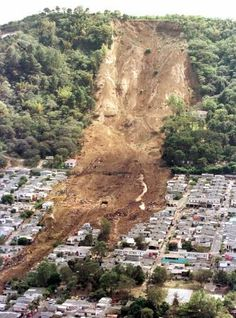 El Salvadore quake causing landslide in 2001 #elsalvador #reisjunk #travel #world #explore www.reisjunk.nl