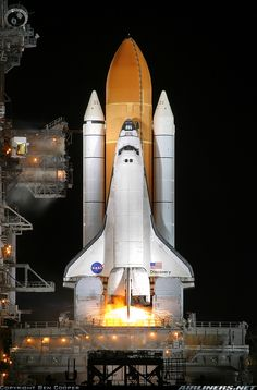 Rockwell Space Shuttle - NASA | Aviation Photo #1585300 | Airliners.net Hubble Space Telescope, Space And Astronomy, Apollo Space Program, Air Space, International Space Station, Space Shuttle, Space Travel, Space Crafts, Outer Space