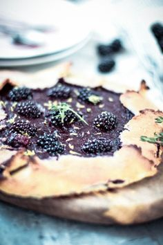 {low-carb} Blackberry Thyme Galette - Oh La Latkes Blackberries, Gluten Free Desserts, Lchf, Ketogenic Diet, Glutenfree, Real Food Recipes, Healthy Snacks, Paleo, Low Carb