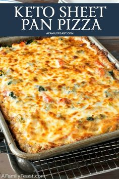 Keto Sheet Pan Pizza Eating low-carb, but craving pizza? You're going to love this Keto Sheet Pan Pizza!This Keto Sheet Pan pizza has a low-carb crust and lots o Supper Recipes, Quick Recipes, Low Carb Recipes, Diet Recipes, Healthy Recipes, Smoothie Recipes, Protein Recipes, Pizza Recipes, Seafood Recipes