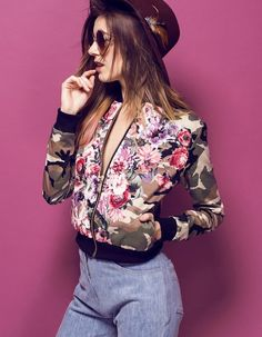Bomberjacke Floral Camo - http://td.oo34.net/cl/?aaid=q6mhcefxtb3hran7&ein=dclqztkbo91xrg6a&paid=eg6pw0wqc6we326o - bomberjacke - blouson - jacket - bomber jacket - jacke - blumenmuster - floral - flowerprint - camouflage