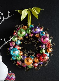 holiday ball wreath http://rstyle.me/n/uhzhspdpe