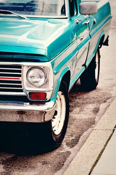 Ford truck, such a pretty color!!!!