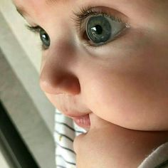 Imagem de baby, cute, and eyes Cool Baby, Cute Little Baby, Baby Kind, Little Babies, Baby Love, Chubby Babies, Unique Baby, Precious Children, Beautiful Children