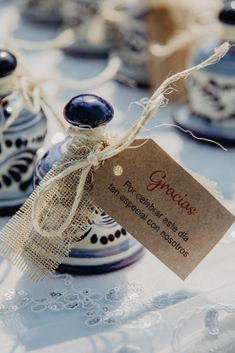 40 original wedding memories: surprise and make your guests fall in love - Recuerdos para boda - Souvenirs Wedding Favours Bottles, Wedding Favors, Wedding Guest Table, Rustic Wedding, Gifts For Wedding Party, Our Wedding, Surprise Wedding, Mexican Themed Weddings, One Sweet Day