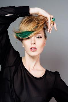 Hair Chalk di L'Oreal Professionnel: in anteprima per le blogger siciliane al Compagnia della Bellezza Show http://madeinjoya.com/look-make-over/cut-trend/lunghi.html#prettyPhoto
