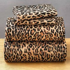 We have leopard sheets but they're about 40 years old. Sweet comfy but old! I could sure dig these! Animal Print Decor, Animal Print Fashion, Animal Prints, Animal Print Furniture, Cheetah Bedroom, Cheetah Print Bedding, Leopard Prints, Leopard Decor, Leopard Animal