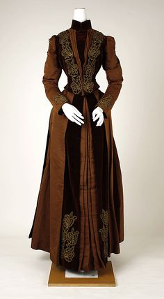 Dress 1880, American, Made of silk