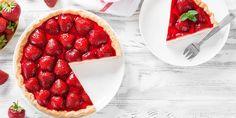Κατακόκκινη τάρτα φράουλα -Αέρινη κρέμα, σε βάση που δεν χρειάζεται ψήσιμο   GASTRONOMIE   iefimerida.gr Starch Foods, Starch Recipes, Cola Cake, Lace Cookies, Baked Alaska, Beef Bourguignon, Side Dishes Easy, Main Dishes, Strawberry Recipes