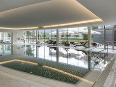 ★★★★★ Falkensteiner Schlosshotel Velden – The Leading Hotels of the World, Velden am Wörthersee, Ausztria Carinthia, Leading Hotels, Resort Spa, Deck, Windows, World, Outdoor Decor, Home, Dreams