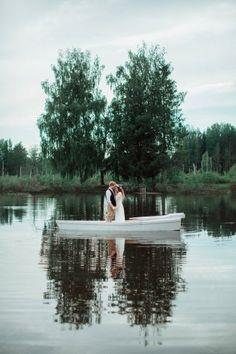 Bon Voyage! 50 фотоидей для свадебной прогулки на лодке
