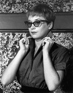 """deforest: """" Shirley MacLaine photographed by Bill Avery, 1955 """" Golden Age Of Hollywood, Hollywood Stars, Hollywood Fashion, Classic Hollywood, Shirley Maclaine, Classic Movie Stars, Jane Fonda, Thats The Way, Portrait Inspiration"""