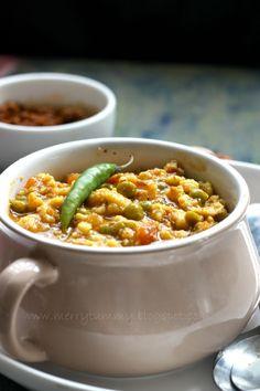 Merry Tummy: Marwadi Mangodi Mattar, A Classic Rajasthani Dish Curry Recipes, Vegetarian Recipes, Cooking Recipes, Healthy Recipes, Vegetarian Diets, Veg Recipes, Lunch Recipes, Rajasthani Food, Gourmet