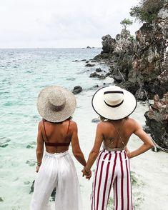 "161.3k aprecieri, 1,167 comentarii - Camila Coelho (@camilacoelho) pe Instagram: ""#CamilAimee in Thailand  Love u my princess @songofstyle (tag your BFF) ------- #CamilAimee na…"""