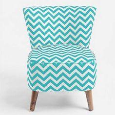 Such a cute chair. WANTT.(: