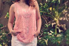 Pink! Adoramos o rosa, delicado, romântico e elegante, principalmente com a renda e a transparência. #moda