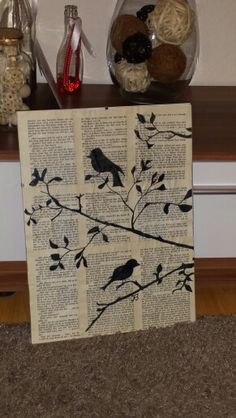 Old books, old frame and black pen - Made by Icke Nature Drawing, Wall Drawing, Newspaper Crafts, Book Crafts, Abstract Tree Painting, Creation Deco, Flower Canvas, Flower Mandala, Canvas Artwork