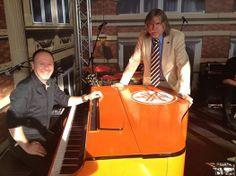 Yamaha for Oranje | Eric Swinkels en Johan Derksen | Special Edition Yamaha Clavinova | #Y4Oranje
