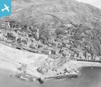 Old aerial photos of Barmouth. Where can you still recognise? Barmouth is about 25 minutes drive from our accommodation at Cadair View Lodge www.cadairviewlodge.co.uk #Snowdonia #Wales
