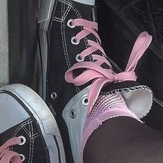 Image shared by Find images and videos about pink, black and grunge on We Heart It - the app to get lost in what you love. Soft Grunge, Grunge Style, Style Indie, Aesthetic Shoes, Aesthetic Grunge, Pink Aesthetic, Aesthetic Clothes, Estilo Grunge, Estilo Hippie