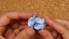 クラフトパンチで作る可愛い小花のくす玉の作り方 | 見たものクリップ Origami Paper, Flower Power, Heart Ring, Floral, Flowers, Crafts, Jewelry, Paper Crafting, Paper Envelopes