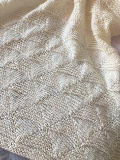 Easy Knit Baby Blanket, Free Baby Blanket Patterns, Easy Knitting Patterns, Knitted Baby Blankets, Knitting Projects, Craft Projects, Crochet Patterns, Intarsia Knitting, Knitting Needles